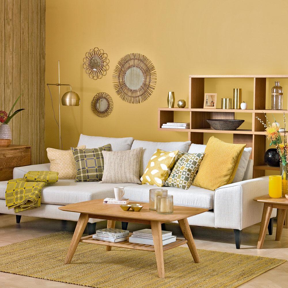 pareti di color giallo paglia